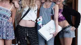 De la complicidad de las cuñadas Pataky y Miley Cyrus a la falda de Jaden Smith