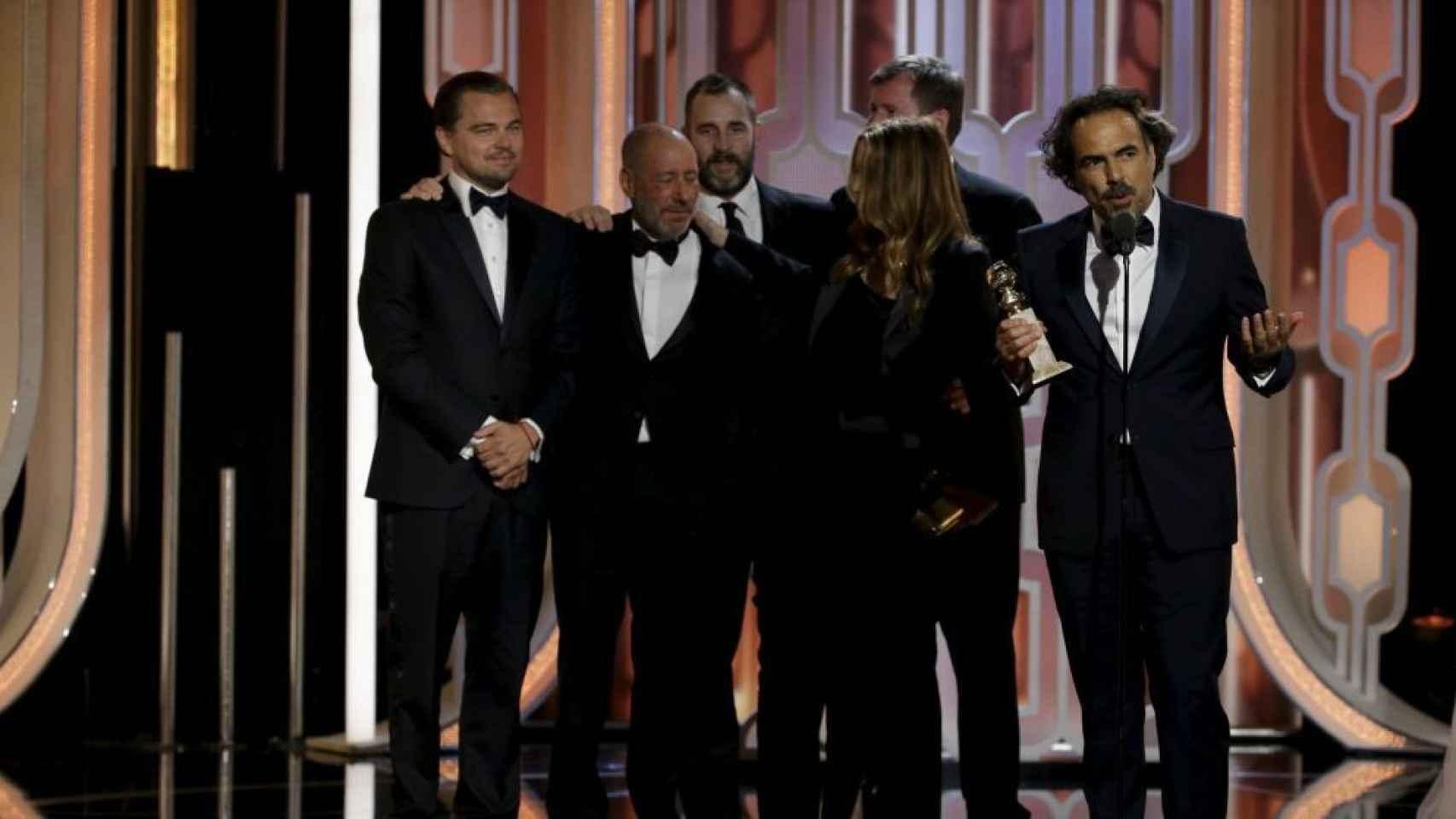 Alejandro Iñárritu junto al equipo de El renacido.