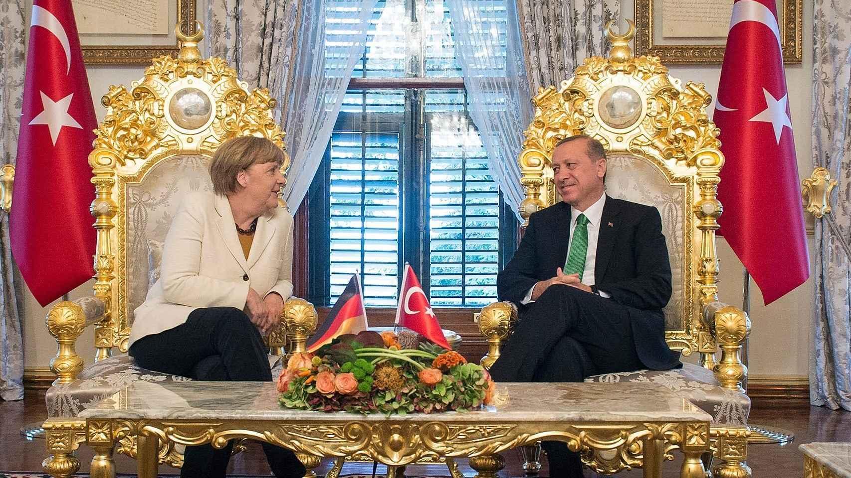 Erdogan y Merkel, en un encuentro celebrado en Estambul.