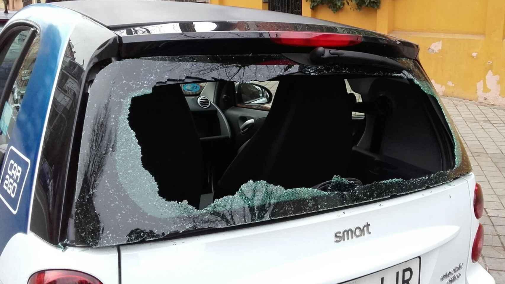 Sesenta coches han sufrido daños.