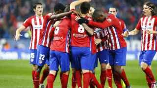 El Atlético celebra el gol de Correa.