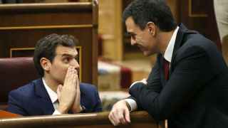Albert Rivera y Pedro Sánchez este miércoles en el Congreso.
