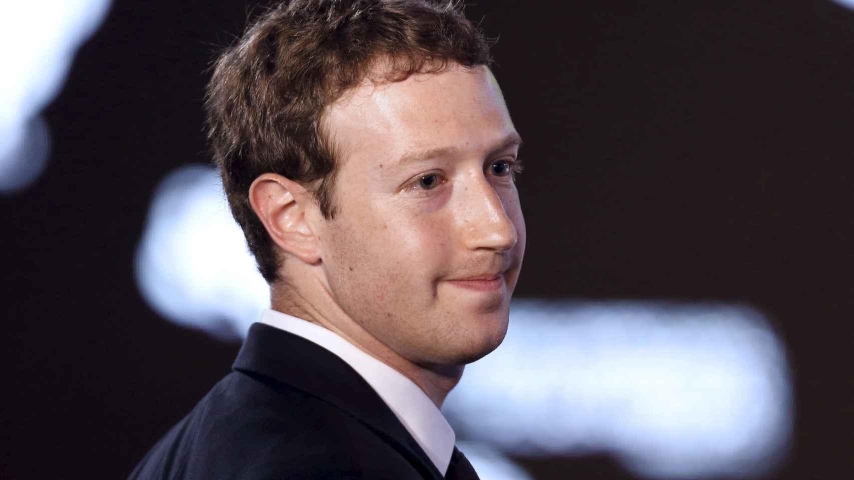 Zuckerberg controla dos de las principales aplicaciones de mensajería del mercado.