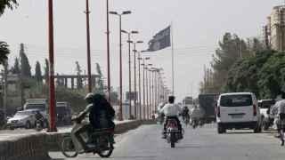 El Estado Islámico reduce a la mitad el salario de los milicianos en Raqqa