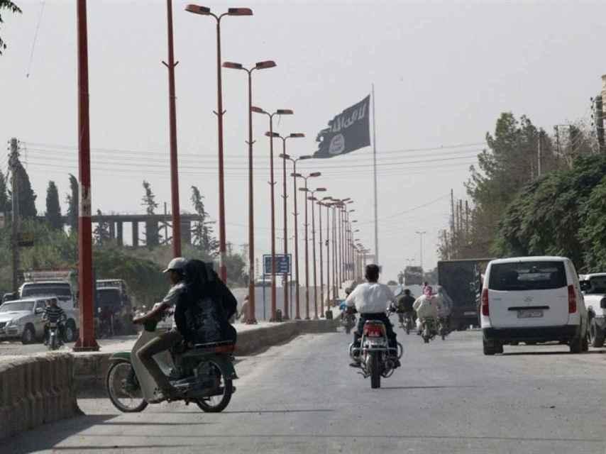 El Estado Islámico reduce a la mitad el salario de los milicianos en Raqa