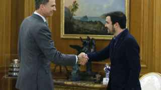 El Rey Felipe VI ha recibido hoy, en el Palacio de la Zarzuela, al líder de Izquierda Unida, Alberto Garzón