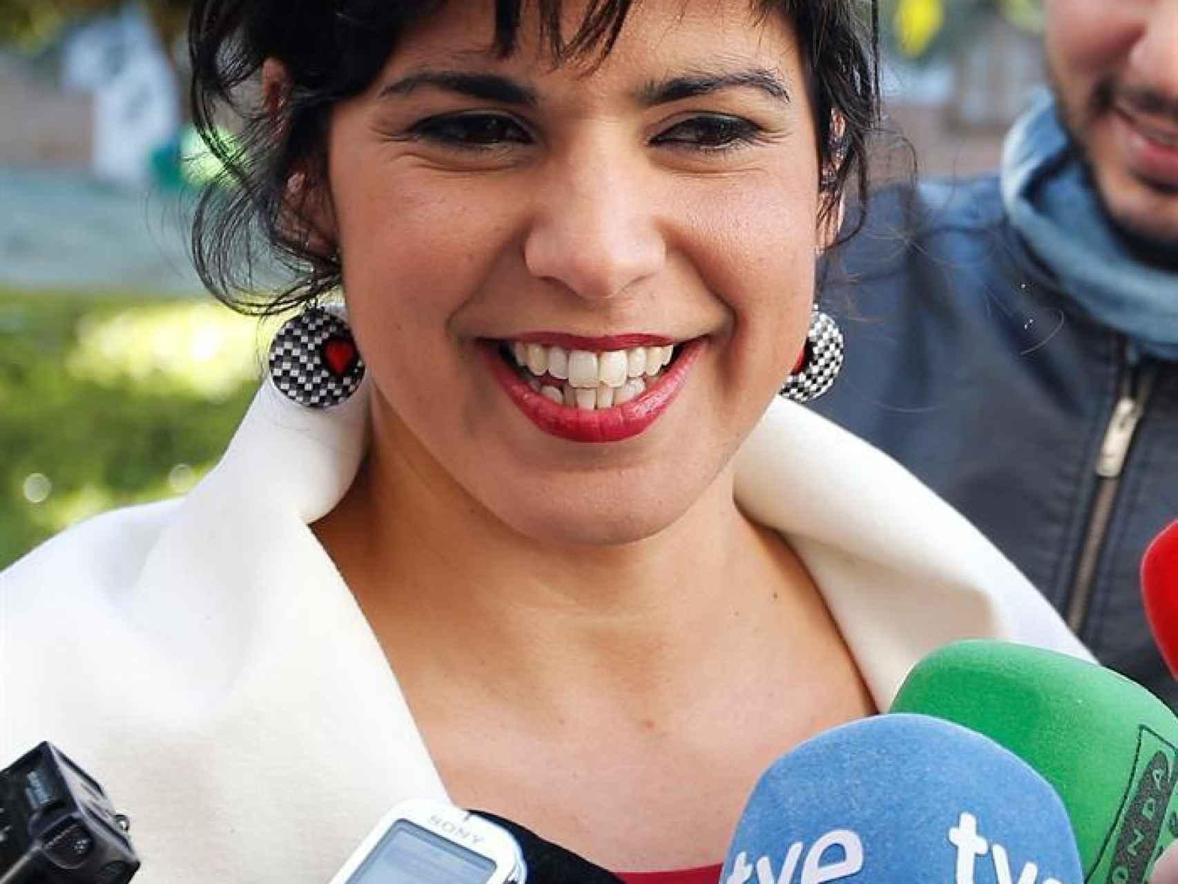 Teresa Rodríguez atiende a los medios la pasada semana en Sevilla - Teresa-Rodriguez-atiende-semana-Sevilla_96000452_455870_1706x1280