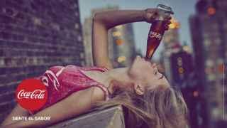 Imagen de la nueva campaña publicitaria de Coca-Cola