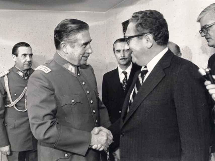 Kissinger y Pinochet, en 1976