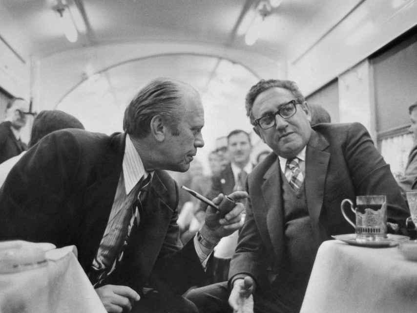 Kissinger y Gerald Ford, en unas conversaciones sobre limitación de armas en noviembre de 1974
