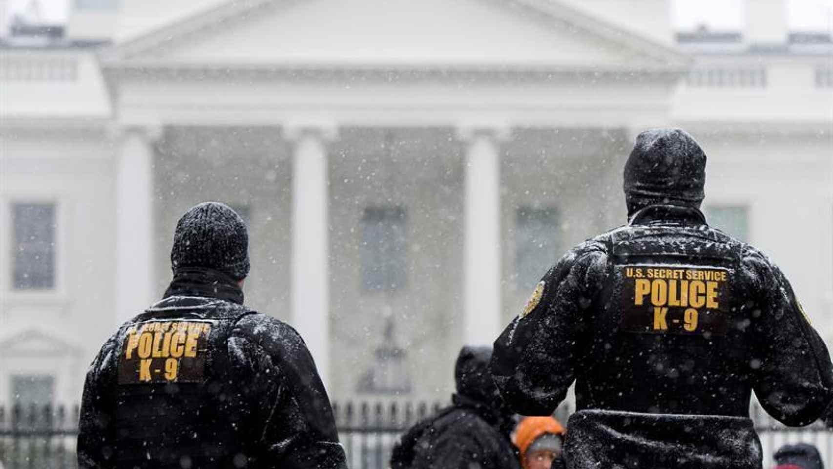 Agentes de Policía de EEUU ante la Casa Blanca