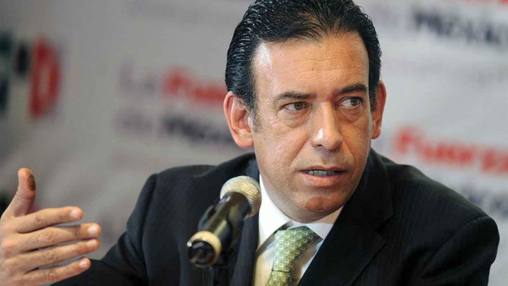 El expresidente del Partido Revolucionario Institucional (PRI), Humberto Moreira, en rueda de prensa.