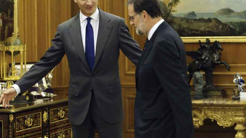 Mariano Rajoy junto al Rey en la Zarzuela.