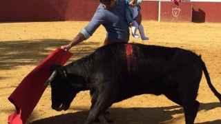 Francisco Rivera y su bebé toreando suscitan la polémica