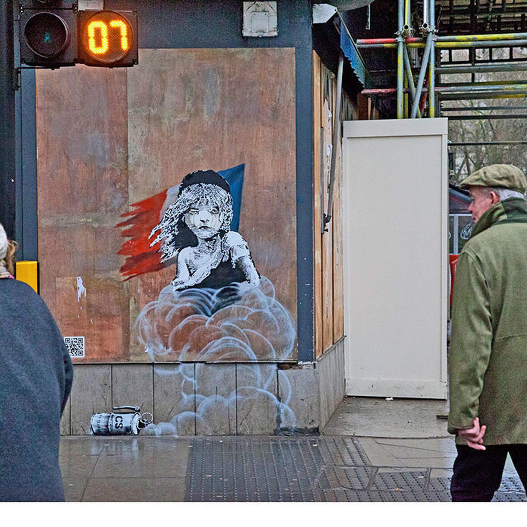 Banksy denuncia el uso de gas lacrimógeno en el campo de refugiados de Calais