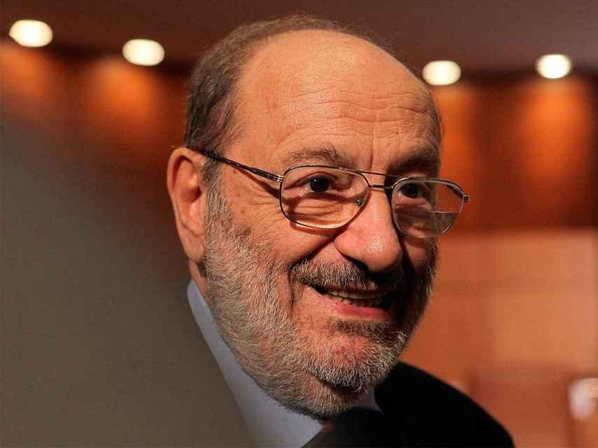 El escritor Umberto Eco