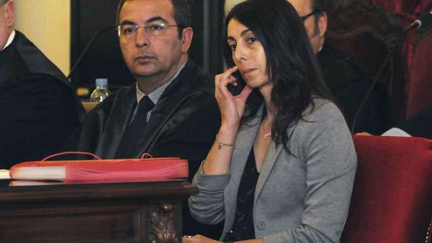 Fermín Guerrero junto a su clienta Raquel Gago.