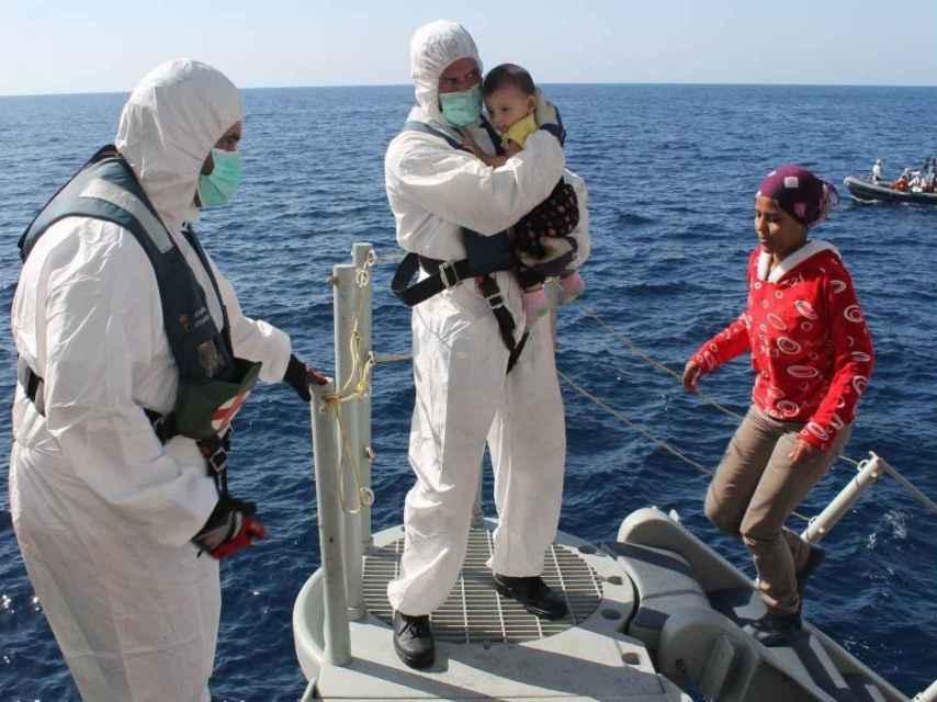 Muchas de las personas rescatadas llegan desfallecidas y desnutridas.