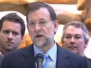 Rajoy guiña el ojo al afirma que nadie podrá probar que Bárcenas no es inocente.