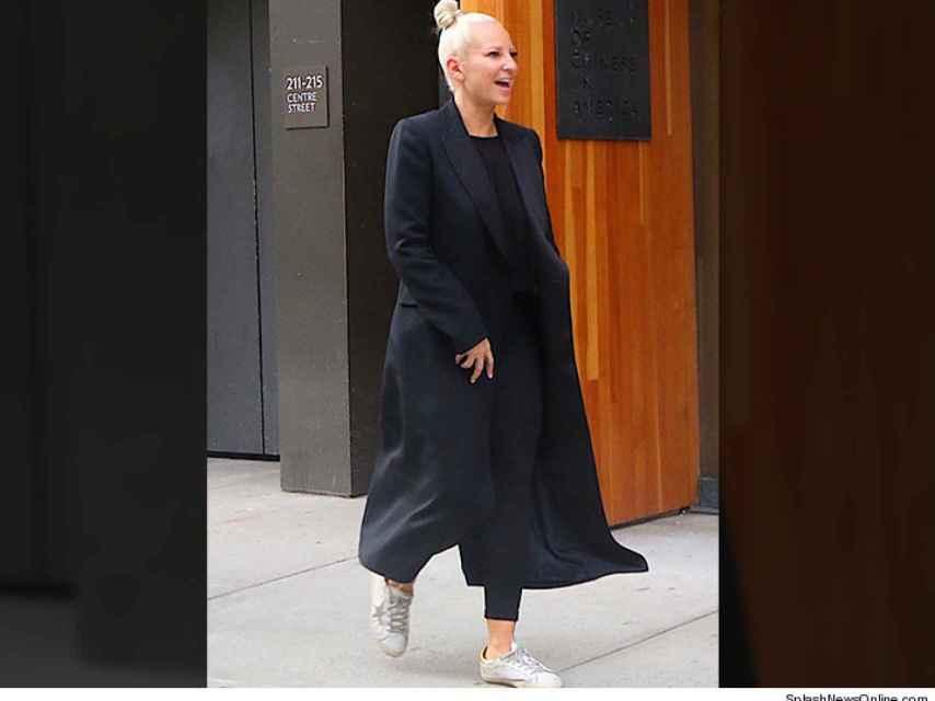 Sia, como una persona normal, de paseo por las calles de Nueva York