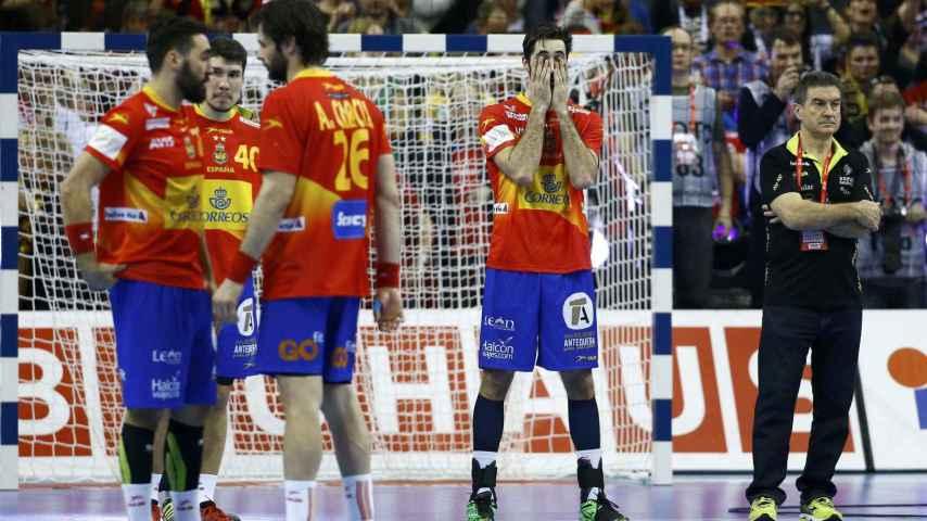 Entrerríos y Cadenas se lamentan tras la derrota.