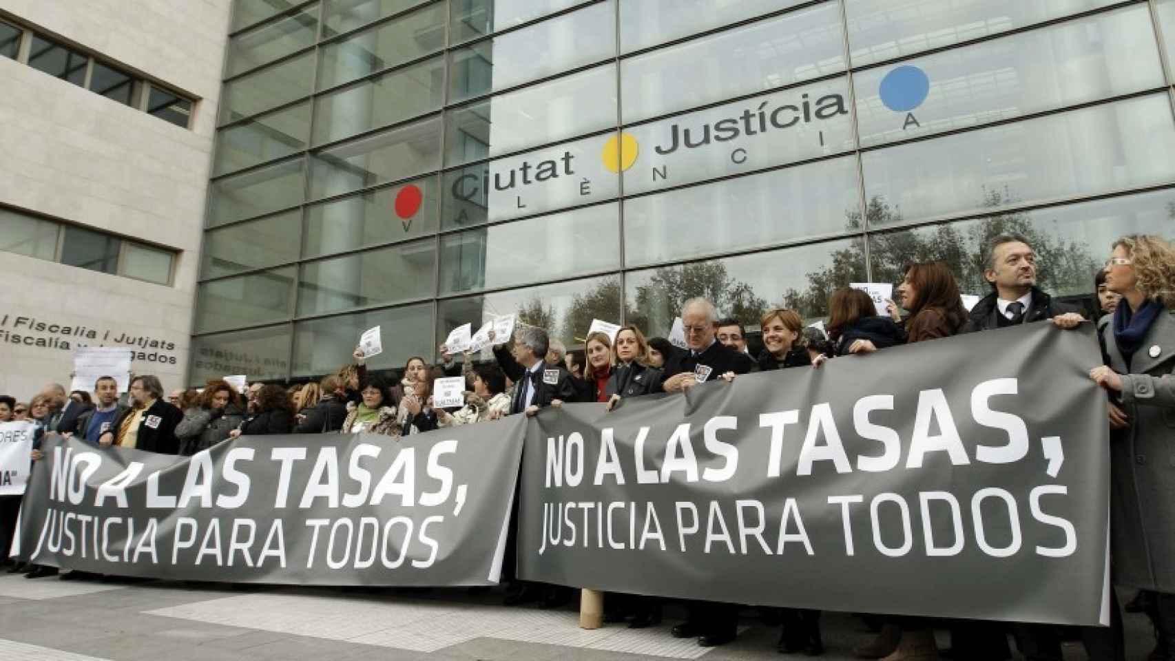 Manifestación contra las tasas judiciales en Valencia.
