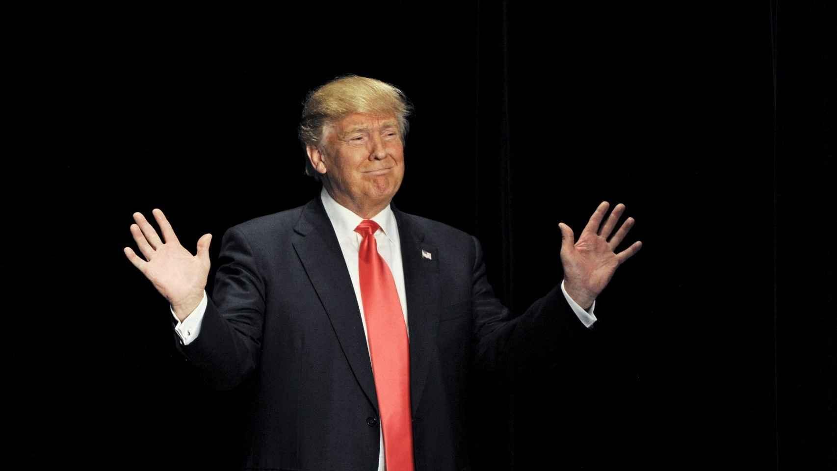 Donald Trump aclamado en Sioux Falls, Iowa.