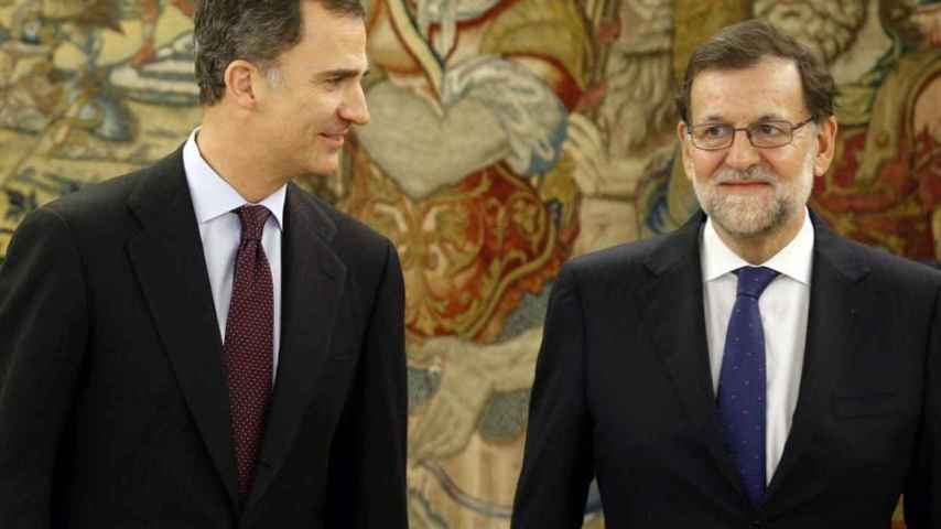 Concluye la reunión de Rajoy con el Rey