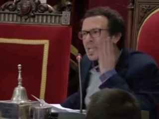 El alcalde de Cádiz acusando a populares y socialistas de ver Peppa Pig por la cara.