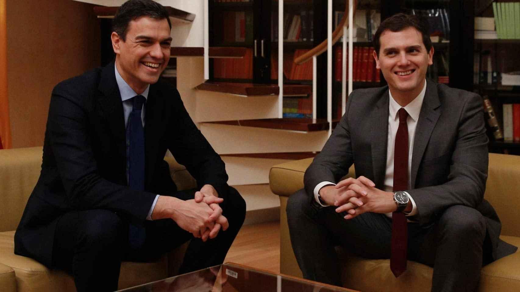 Los líderes de PSOE y Ciudadanos, antes de la reunión que mantuvieron el jueves.