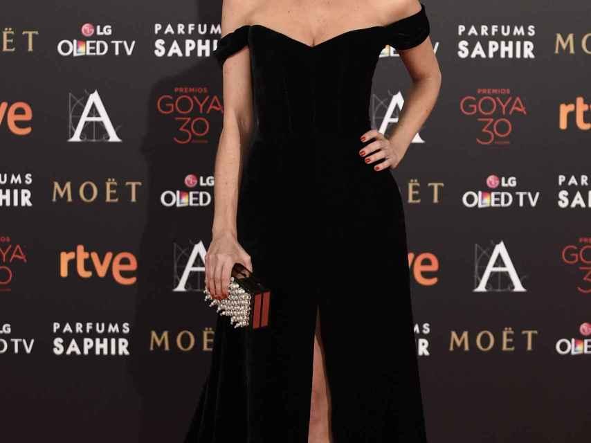 Juana Acosta una de las más elegantes con un diseño de Basaldúa