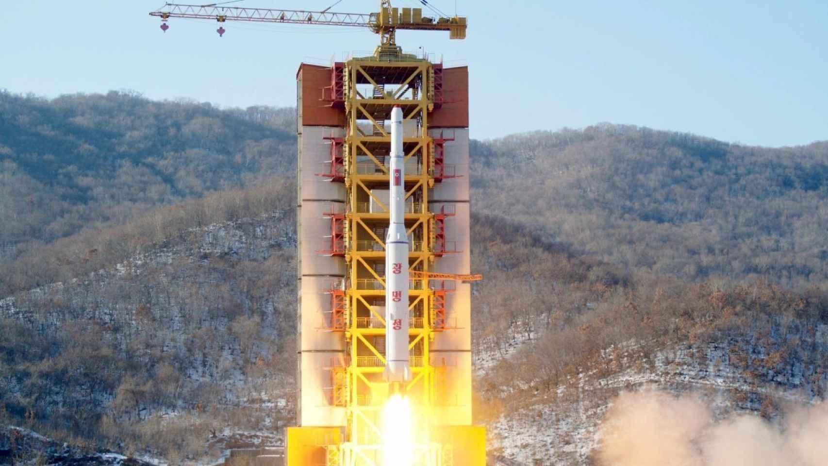 Momento del lanzamiento del misil por parte de Corea del Norte.