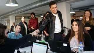 Pedro Sánchez visita una asociación de emprendedores en Madrid.