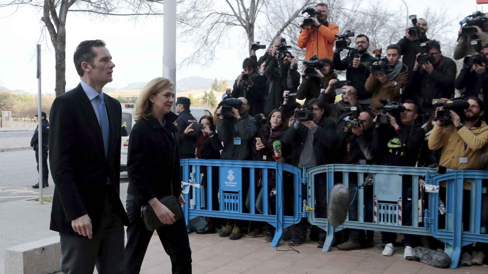 La infanta Cristina e Iñaki Urdangarín a su llegada al juicio en Palma.