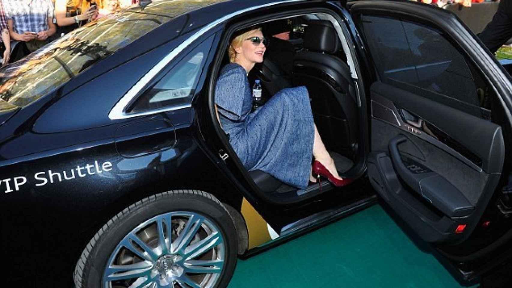 Cate Blanchett subida a un Audi con chofer en el Festival de Zurich