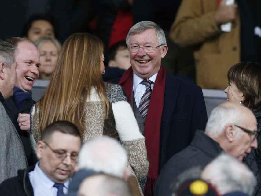 Sir Alex Ferguson en la grada de Old Trafford.