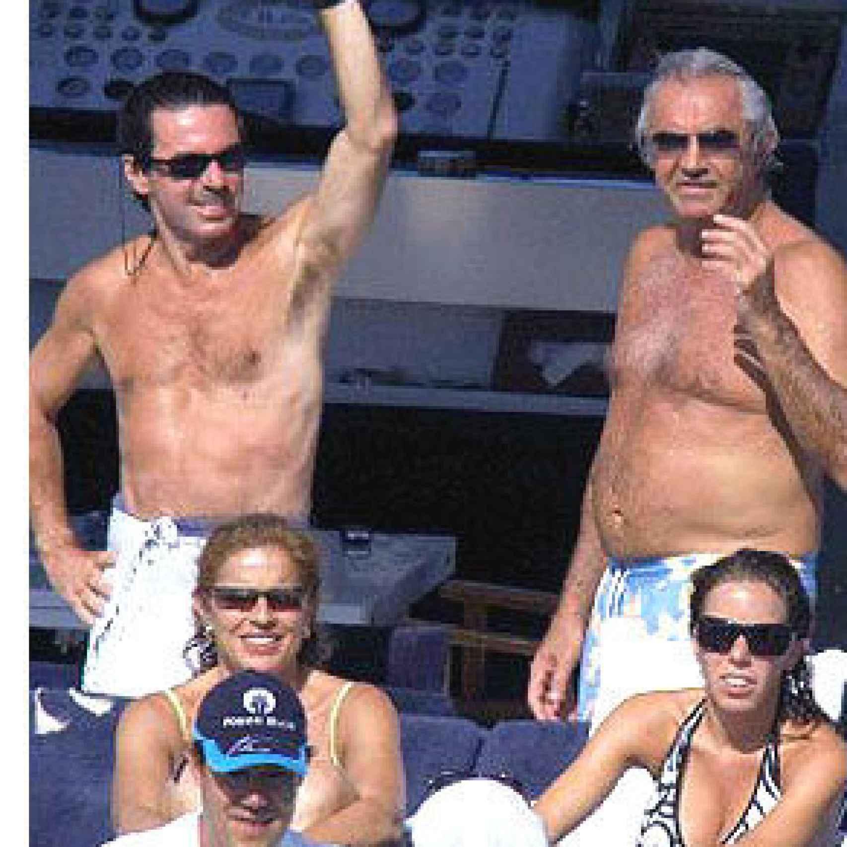 Flavio Briatore con la familia Aznar