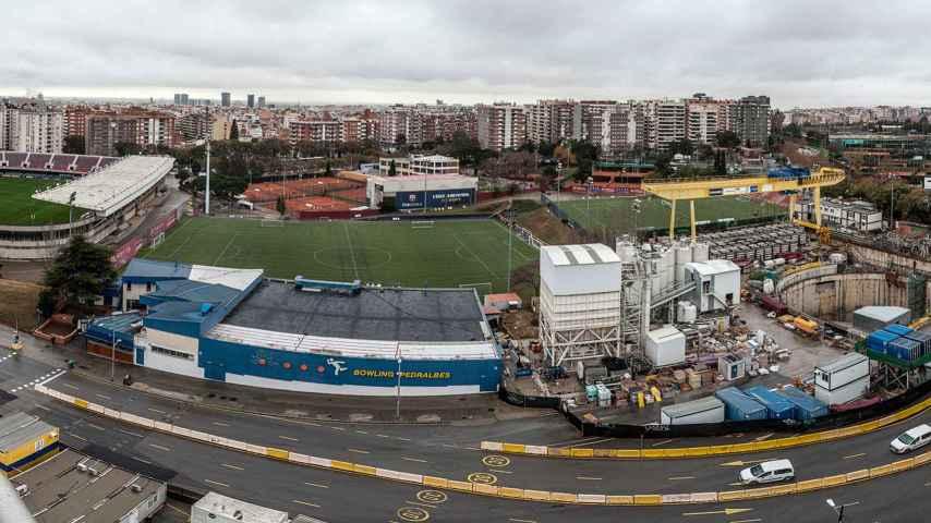 Obras de la línea 9 en los aledaños del Camp Nou.