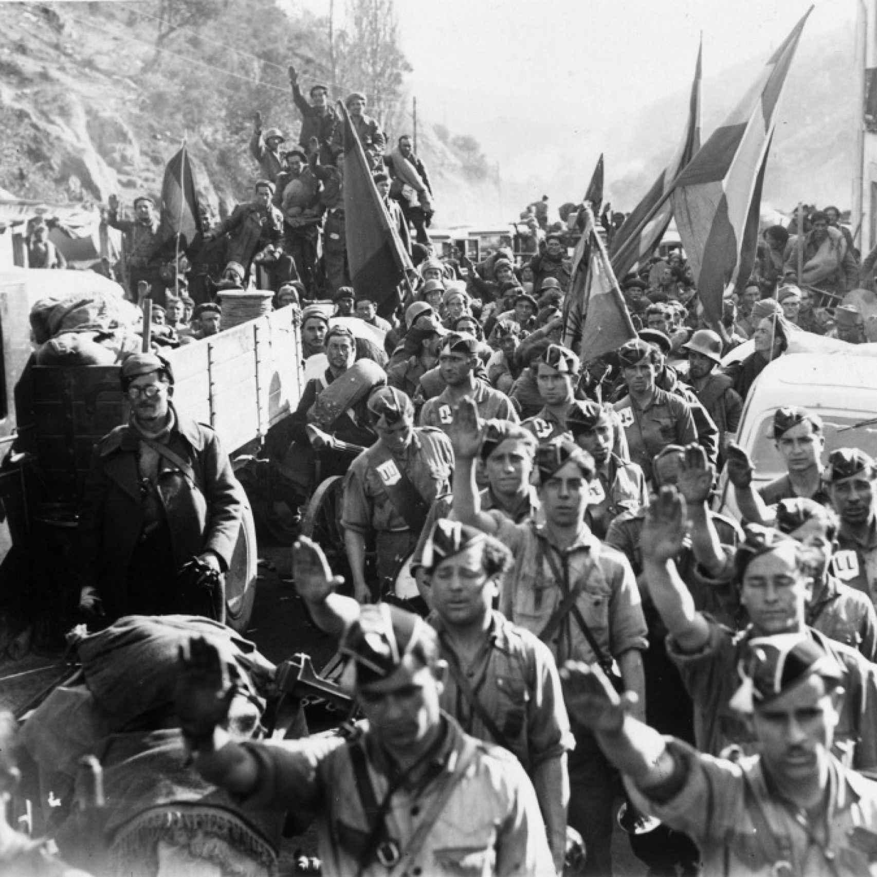 Soldados de la quinta división a las puertas de Navarra.