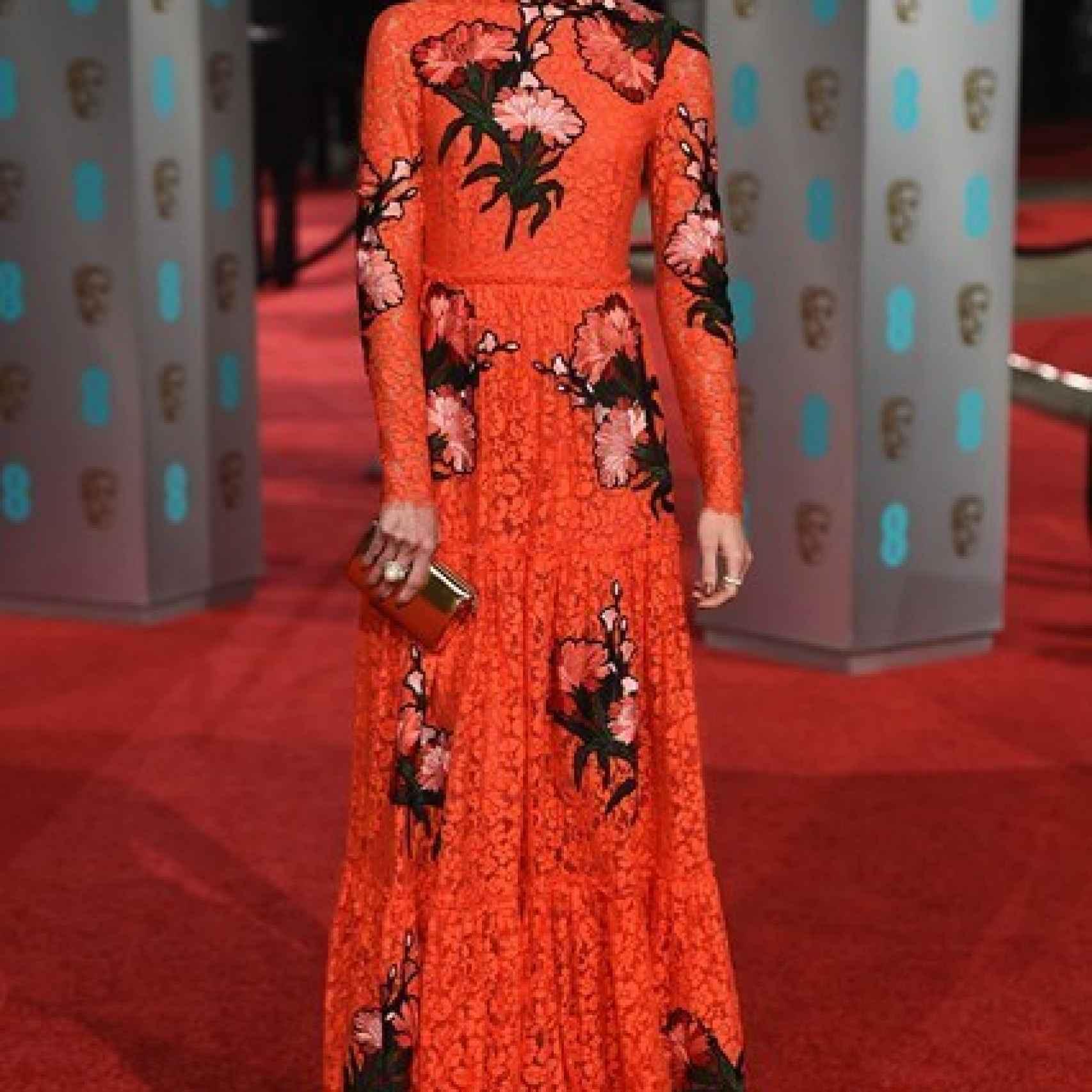 Dree Hemingway en la alfombra roja de los Premios Bafta