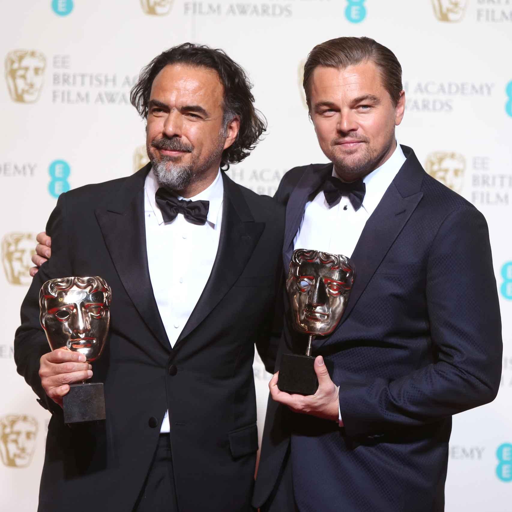 González Iñárritu y Leonardo DiCaprio en los Bafta 2016