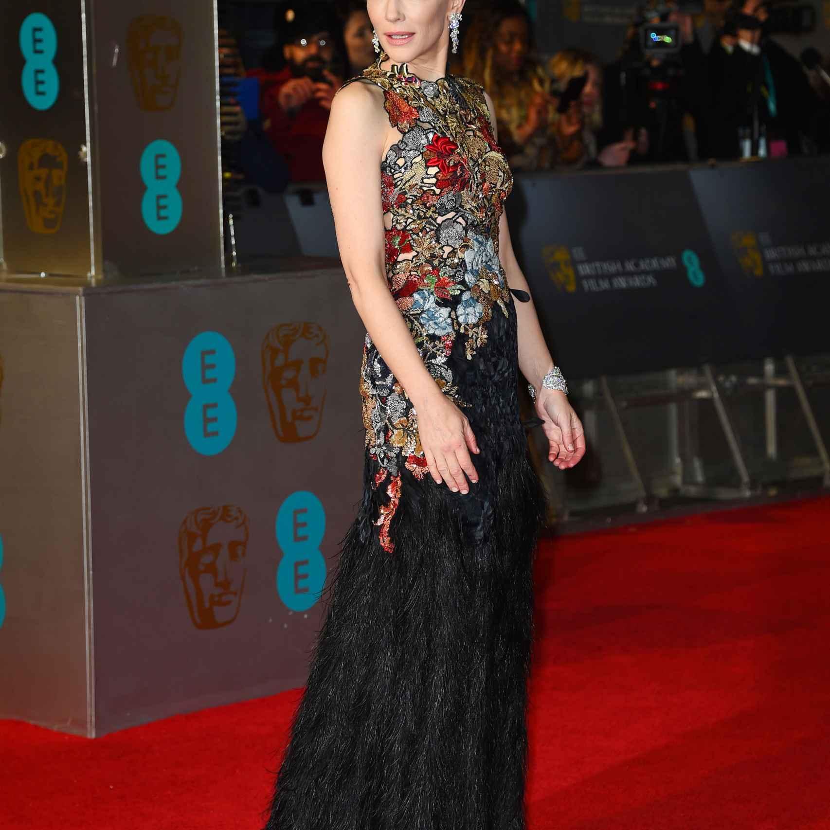 Cate Blanchett de Alexander McQueen en los premios Bafta