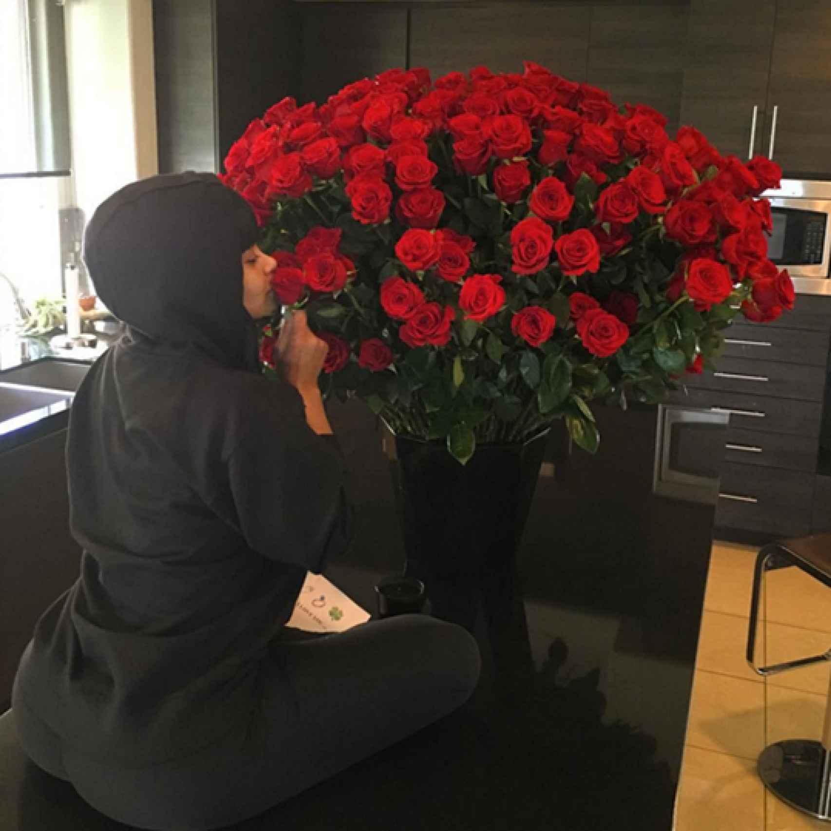 Blac Chyna recibe el ramo de Robert Kardashian de más de 100 rosas