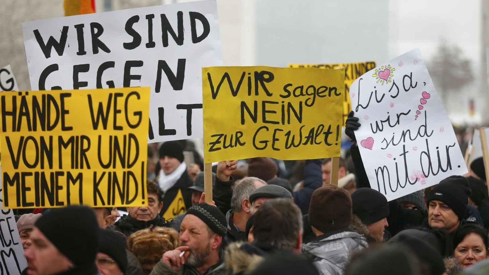 Una manifestación contra la violencia por parte de migrantes en Berlín.