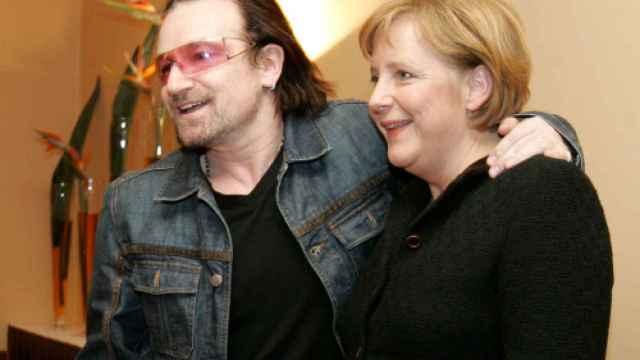 Merkel y Bono coinciden mucho ideológicamente
