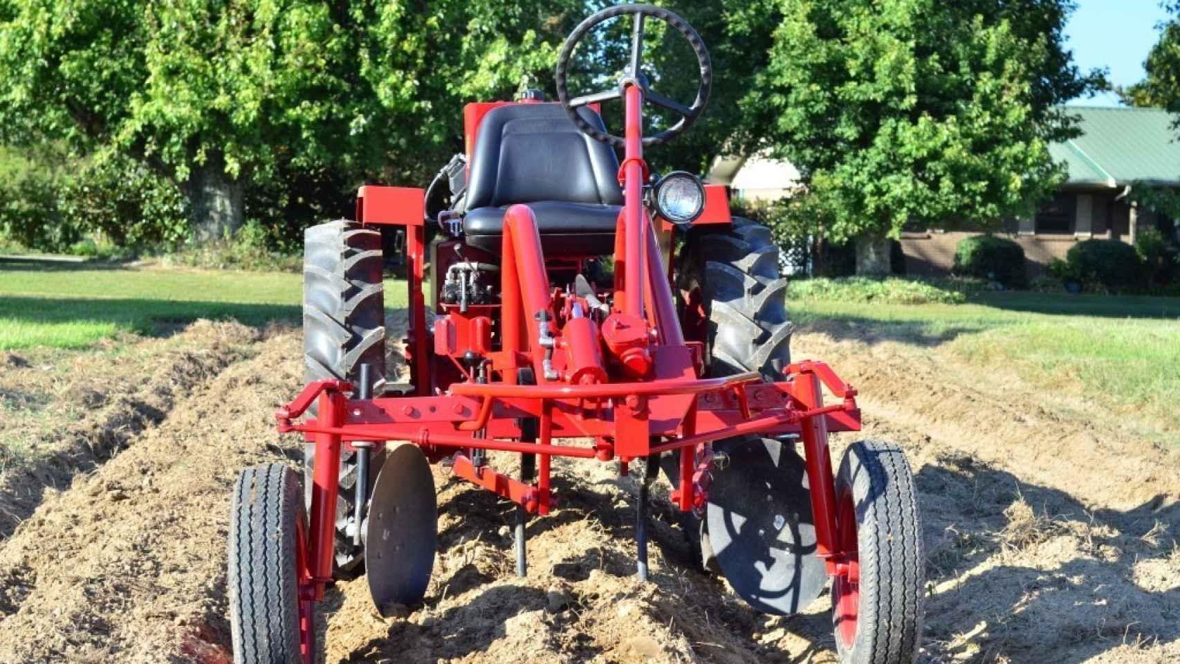 El tractor 'Oggun' es la gran apuesta de Saúl Berenthal para Cuba.