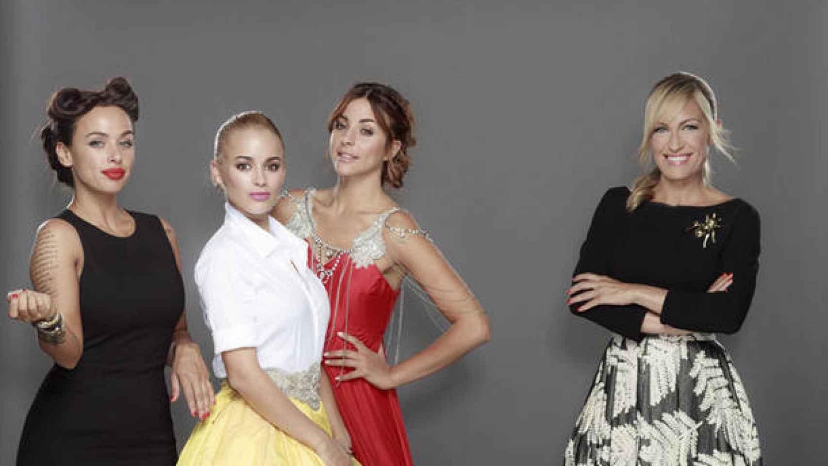 Las tres princesas y la presentadora Luján Argüelles, en el programa de Cuatro 'Un príncipe para tres princesas'