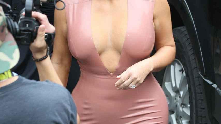 El secreto de los pechos de Kardashian