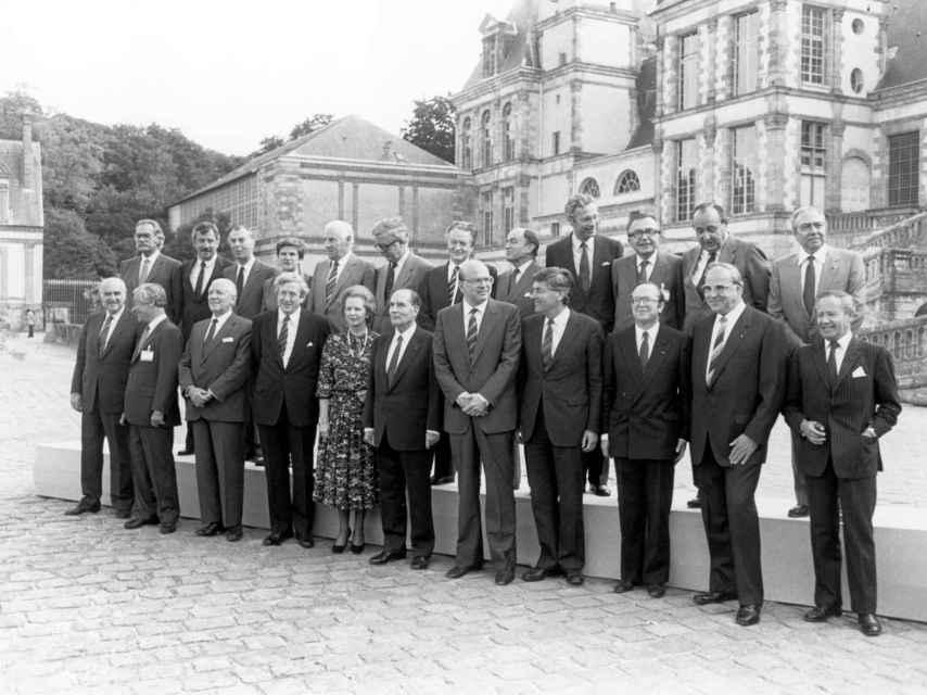 Thatcher, en la foto de familia de la cumbre de Fontainebleau de 1984