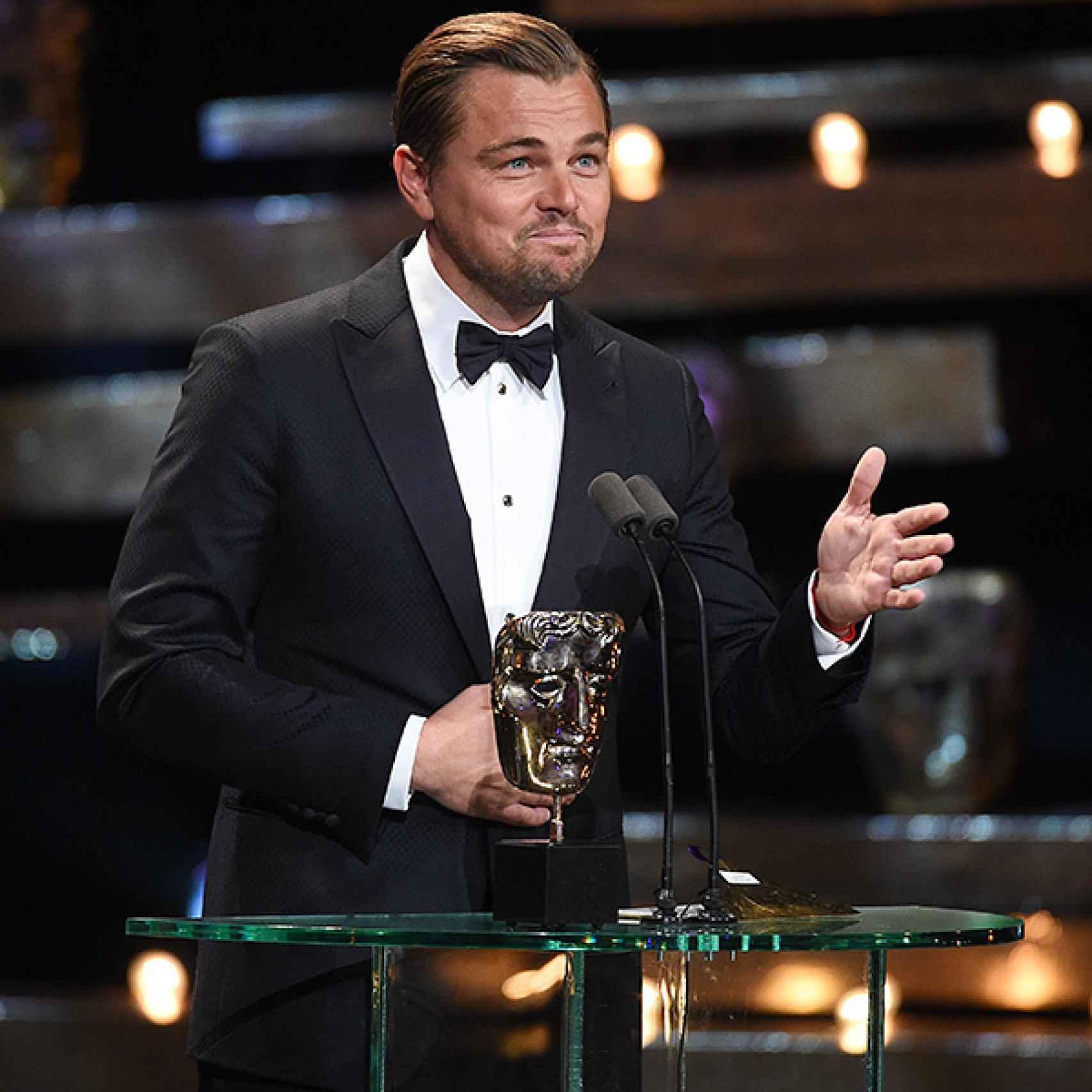 Leonardo DiCaprio recogiendo el Bafta a mejor actor